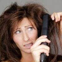 Lissage de cheveux difficile